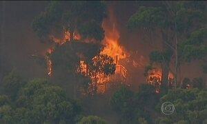 Incêndios florestais destroem 53 casas na Austrália