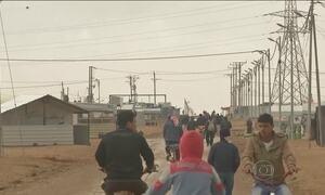 Áustria anuncia que vai reduzir para menos da metade a concessão de asilo a refugiados