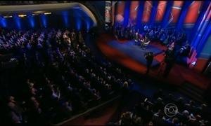 Democratas fazem debate com perguntas do público em Iowa