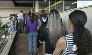 Semana começa com fila gigantesca na Santa Casa de Goiânia