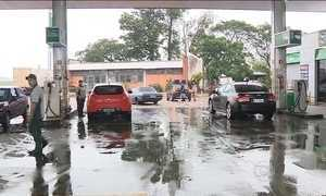Família de argentinos esquece parente em posto de gasolina no RS