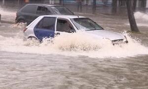 Novo temporal atinge Porto Alegre e provoca alagamentos na cidade