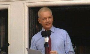 Painel da ONU considera arbitrário confinamento de Assange