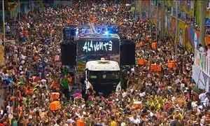Homenagem ao centenário do samba dá o tom do carnaval em Salvador