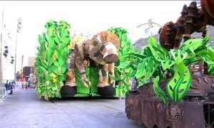Termina primeiro dia de desfiles do Grupo Especial do Rio