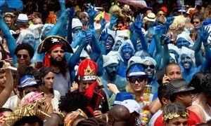 Blocos do Rio reúnem meio milhão de foliões no domingo de carnaval