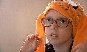 Menina que teve câncer emociona o país com o canal Careca TV na web