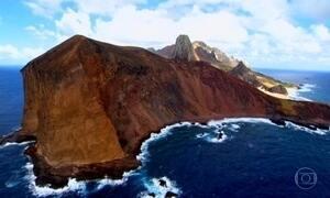 Trindade, no meio do oceano, é o arquipélago mais isolado do Brasil