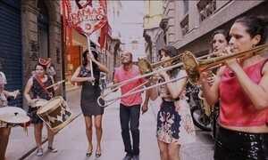 Hoje é dia de música de rua: fanfarra