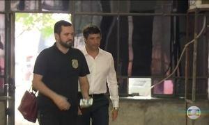 Ministro autoriza banqueiro André Esteves a trabalhar