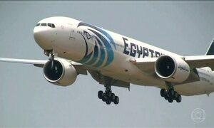 Equipes de busca de vários países procuram avião que caiu na Grécia