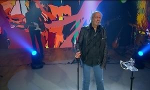 Tremendão Erasmo Carlos comemora 75 anos de vida e canta no Fantástico