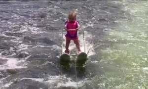 Vídeo mostra bebê de seis meses fazendo esqui aquático