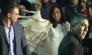 Polícia da Argentina faz buscas em imóveis de Cristina Kirchner