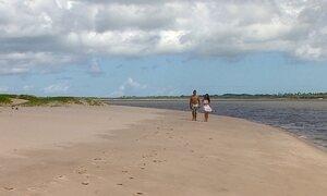 Conheça as belezas da Ilha dos Namorados, em Aracaju