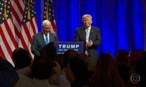 Donald Trump aparece pela primeira vez ao lado do vice