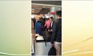 Passageiros enfrentam filas para passar por nova fiscalização em aeroportos
