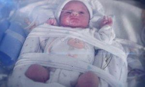 Bebê nasce depois de quase quatro meses da morte cerebral da mãe