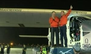 Primeiro avião movido a energia solar completa volta ao mundo