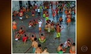 Imagens mostram dezenas de presos usando celular em presídio do Ceará
