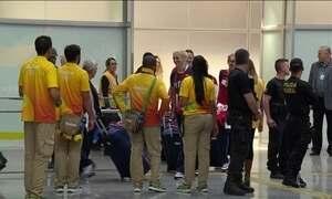 Exército de 50 mil voluntários ajuda a receber delegações para a Olimpíada