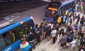 Falta de metrô para competições na madrugada é alvo de reclamações