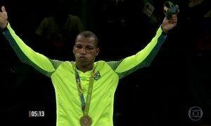 Robson Conceição conquista ouro inédito para o boxe brasileiro