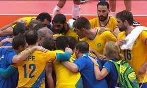 Brasil vence Argentina no vôlei masculino e pega Rússia na semifinal