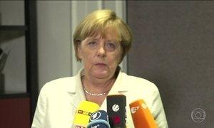 Merkel continua defendendo política para refugiados após derrota eleitoral