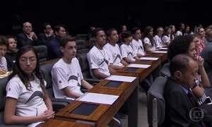 Movimento faz ato na Câmara para melhoria da educação no país