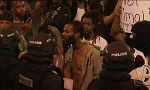 Violência policial contra negros provoca protestos nos EUA