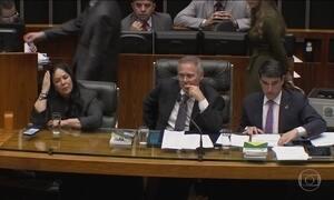 Renan quer reforma política e abuso de autoridade discutidos juntos