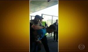 Fiscalização usa força contra ambulantes nos trens de São Paulo