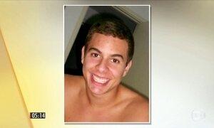Brasileiro suspeito de matar a própria família se entrega à polícia espanhola