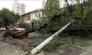Moradores de SP enfrentam problemas após temporal