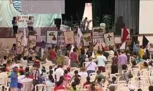 Marcha contra rompimento de barragem chega a Mariana