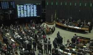 Votação de projeto anticorrupção é adiado para a próxima semana
