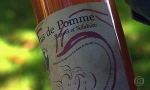Suco fabricado por voluntários franceses ajuda creche brasileira
