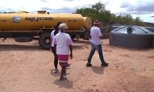 Rede de solidariedade arrecada água para ajudar quem sofre com a seca