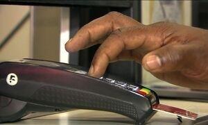 Juros altos ajudam a reduzir uso do rotativo do cartão de crédito