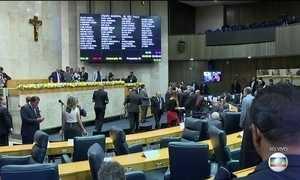Justiça barra pela 2ª vez aumento nos salários dos vereadores de SP