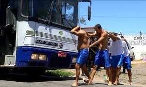 Tropa de choque retira de Alcaçuz 220 presos de uma facção