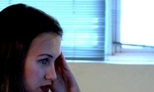 Ambiente de trabalho é lugar onde dor de cabeça mais atrapalha brasileiros