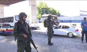 Assaltante morre em troca de tiros com fuzileiros navais no Rio