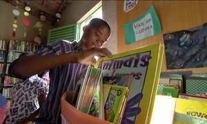 Jovem da periferia de Goiânia enfrenta a violência com livros
