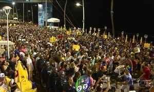 Carnaval de Salvador começa com  bandas e baile à moda antiga