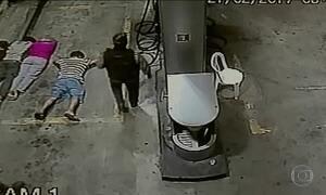Imagens mostram ataque a uma transportadora de valores do Recife