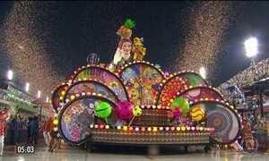 Motorista é indiciado por acidente com carro alegórico da Paraíso do Tuiuti no Carnaval do RJ