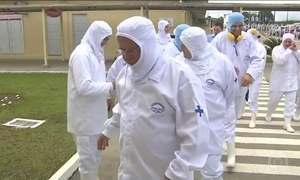Ministro da Agricultura acompanha fiscalização em frigorífico no Paraná