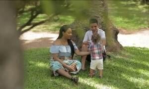 Quem Sou Eu?: menino é gerado e amamentado pelo pai em família trans